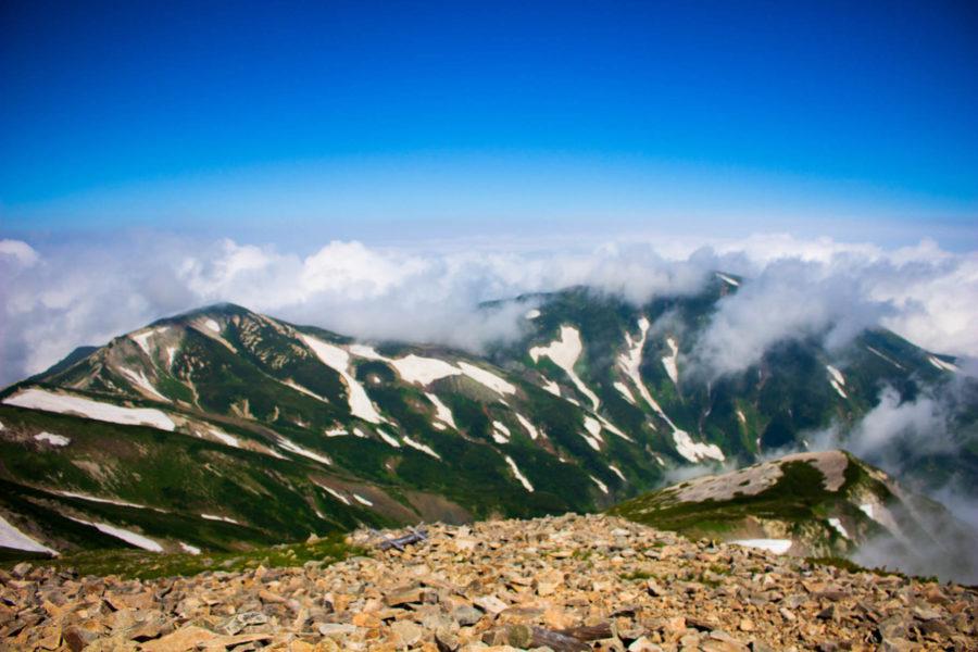 雪倉岳方面の景色